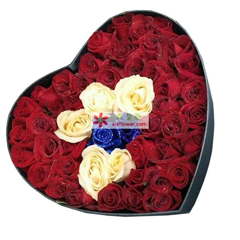 51枝玫瑰,其中香槟玫瑰5枝、蓝色玫瑰2枝、红色玫瑰44枝;