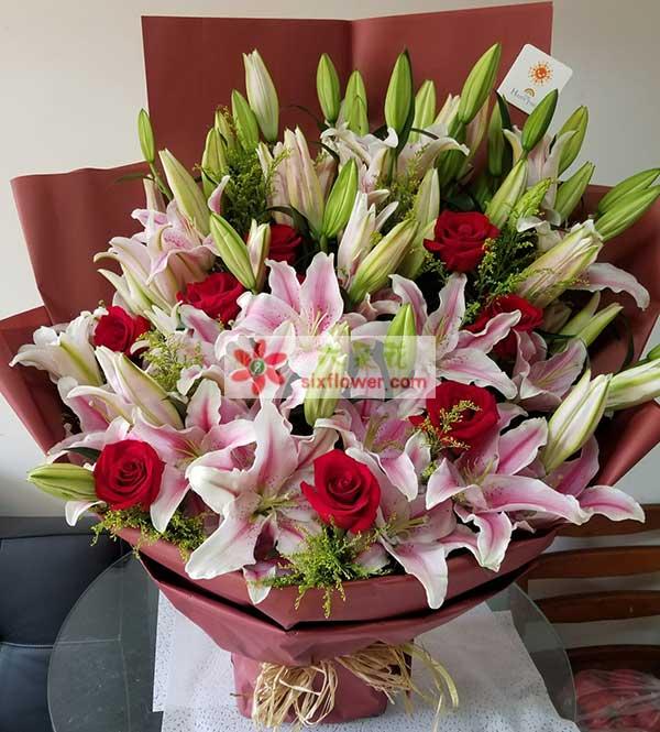 送上海宝山区上大路上上海大学附近的花