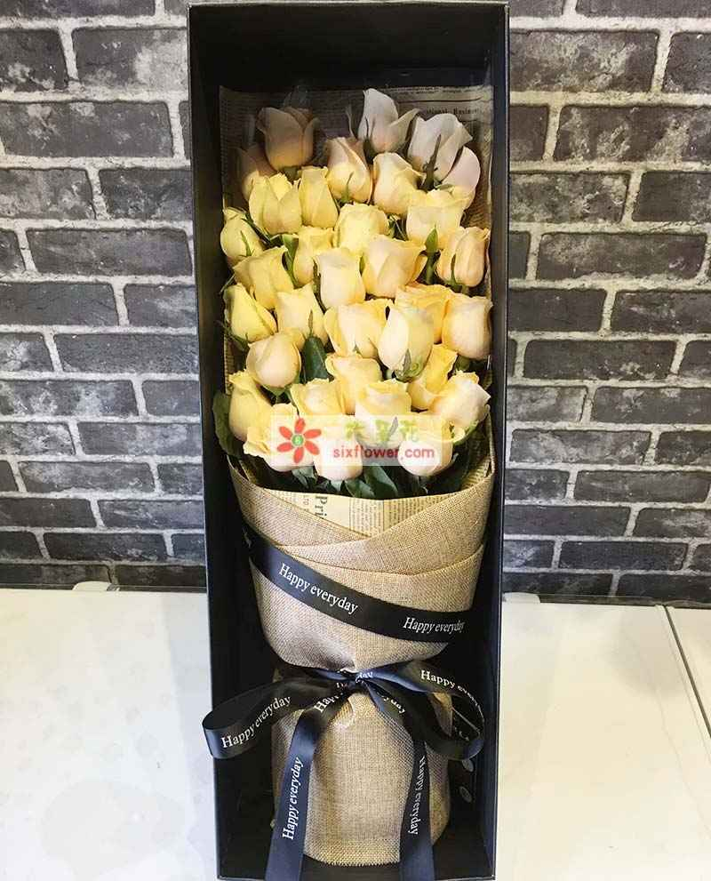 33枝香槟玫瑰