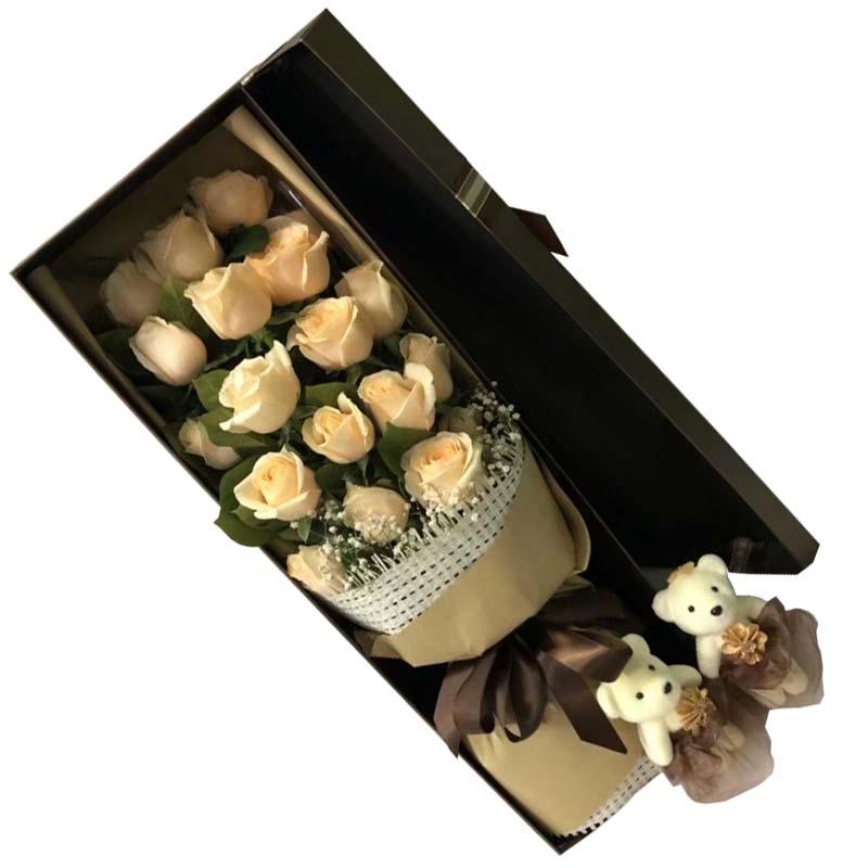19枝香槟玫瑰,橛子叶、满天星点缀