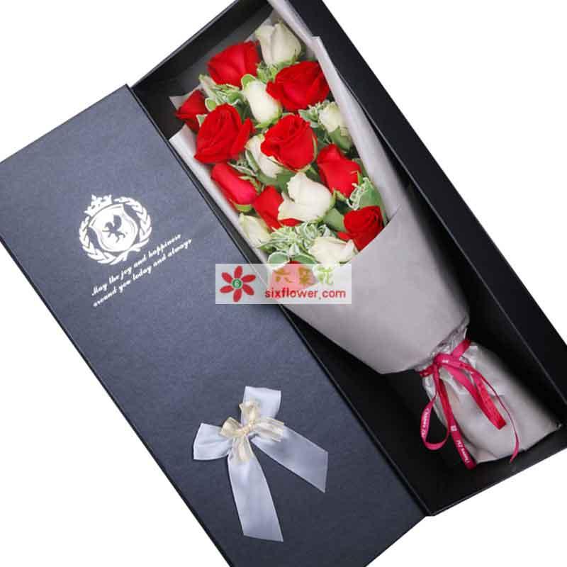 19枝红、白玫瑰花混搭,高山积雪点缀(或其他配叶)