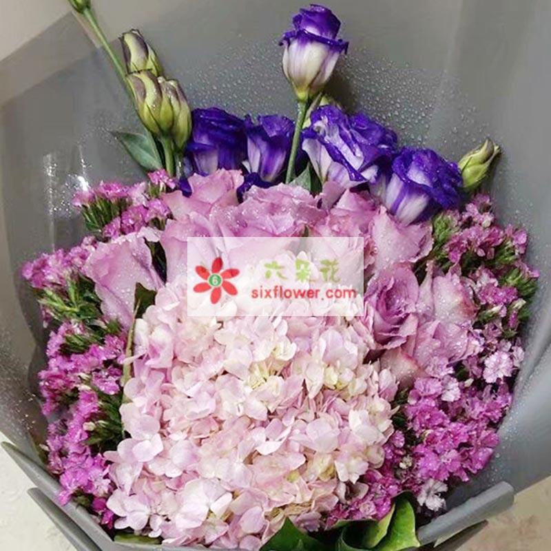 11枝紫色玫瑰,2只粉色绣球花,粉色相思梅丰满,6枝紫色桔梗