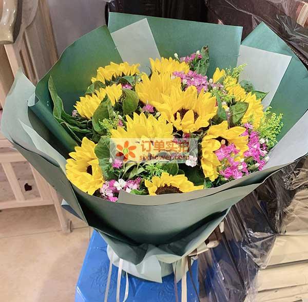 合肥蜀山区习友路国贸天琴湾送花