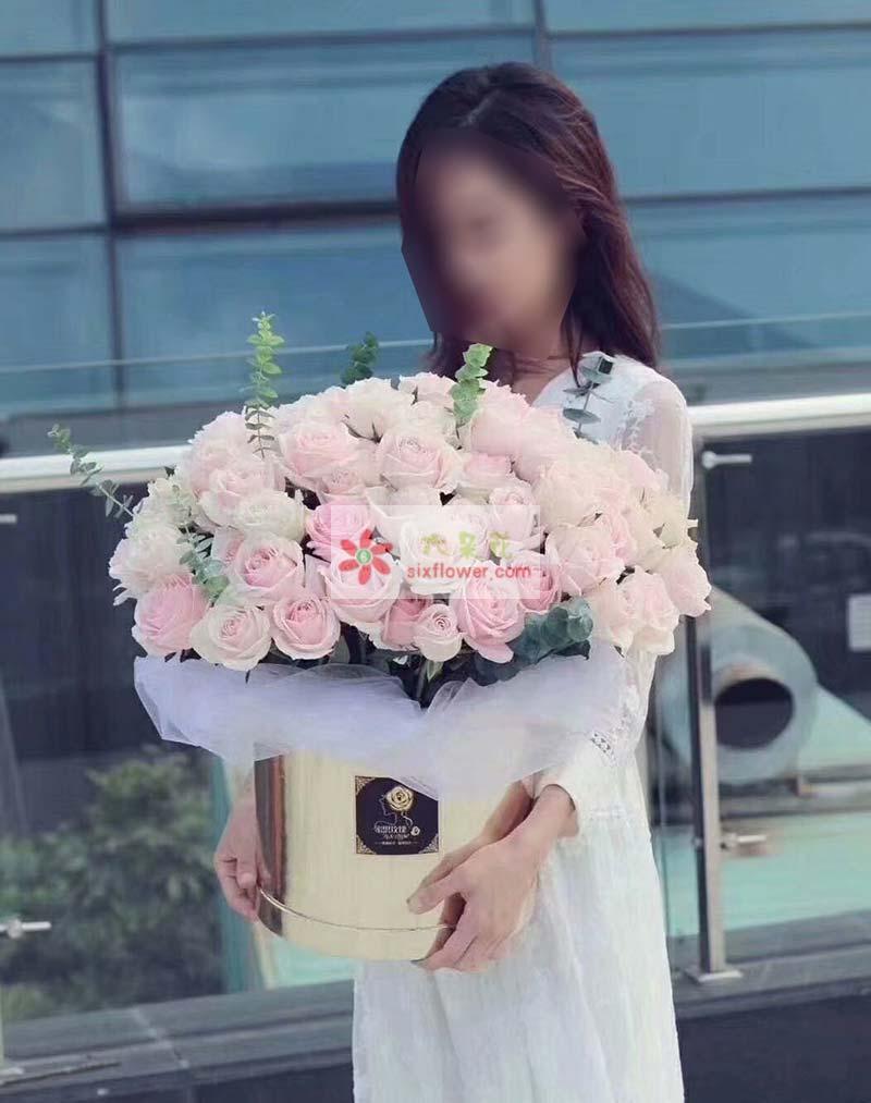 99朵粉色佳人玫瑰