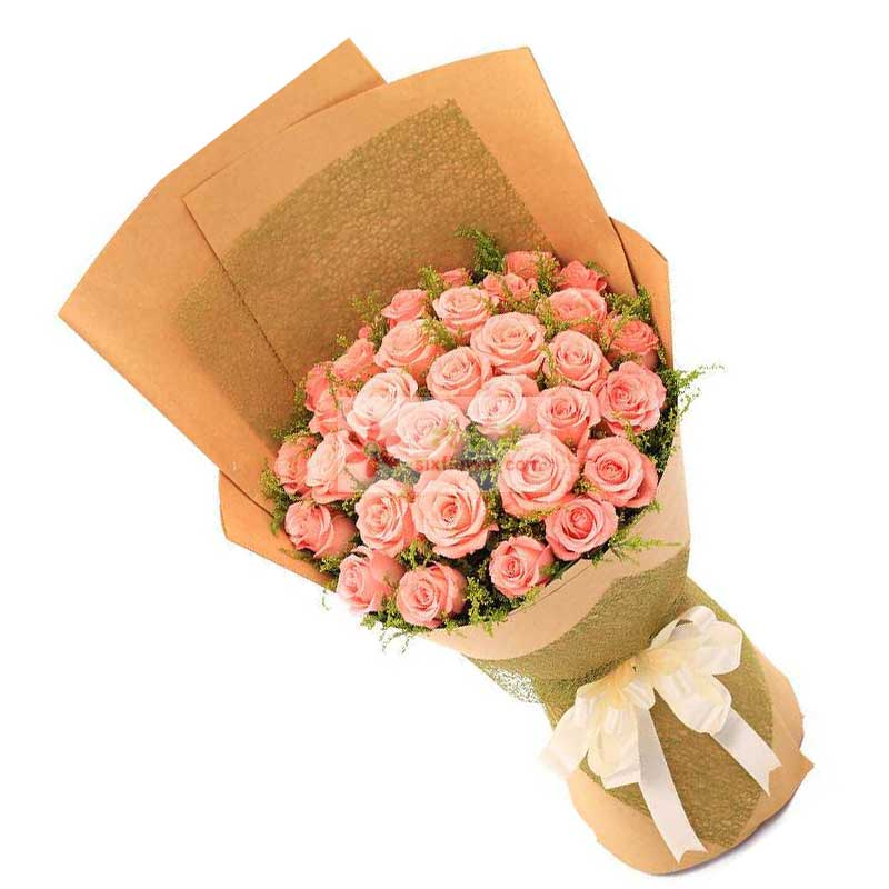 29朵戴安娜粉玫瑰,黄英点缀