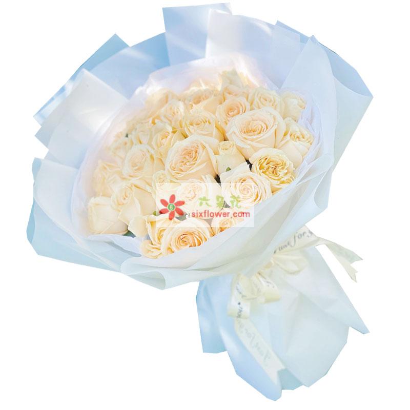 33朵香槟玫瑰,有你我是最幸福的