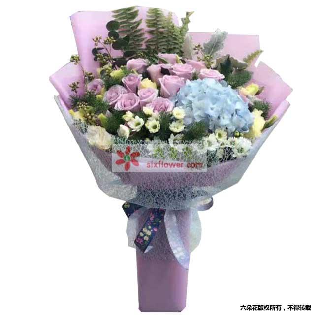 海洋之歌玫瑰19枝,浅蓝色绣球1个