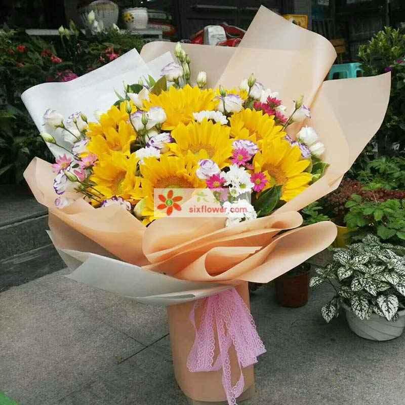 10枝向日葵,各色小雏菊搭配,桔梗点缀,配叶丰满