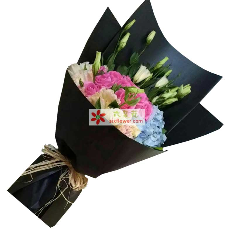11枝香槟玫瑰,9枝戴安娜粉色玫瑰,1枝蓝色绣球花,桔梗若干,配叶搭配