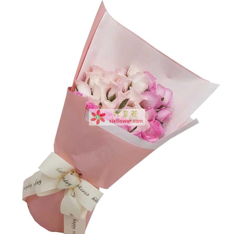 19枝香槟玫瑰,10枝戴安娜玫瑰,橛子叶点缀