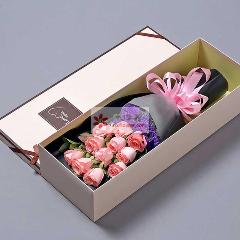 11枝戴安娜粉色玫瑰,紫色勿忘搭配,配叶我点缀