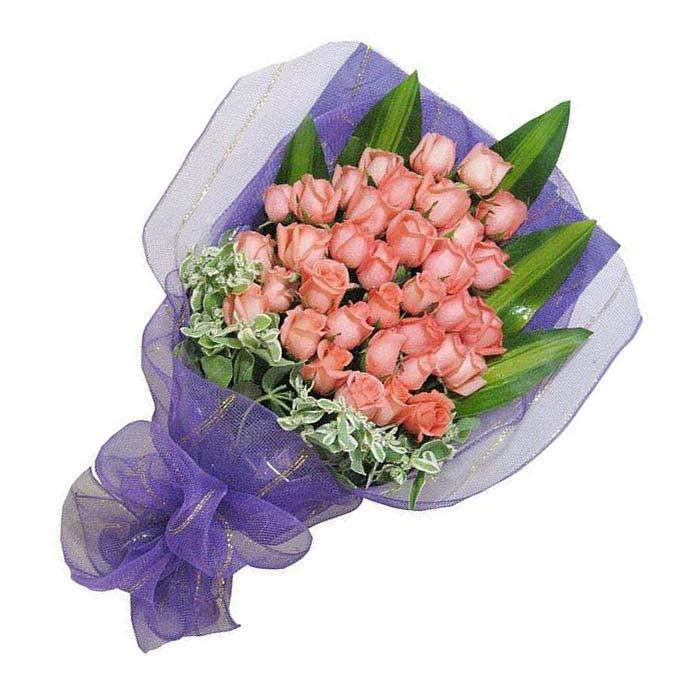 33朵粉玫瑰,叶上金、巴西叶搭配