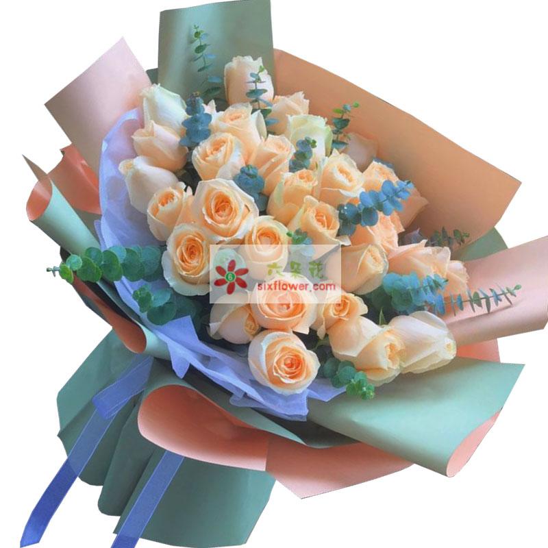 33朵香槟玫瑰,喜欢和你在一起的每一天