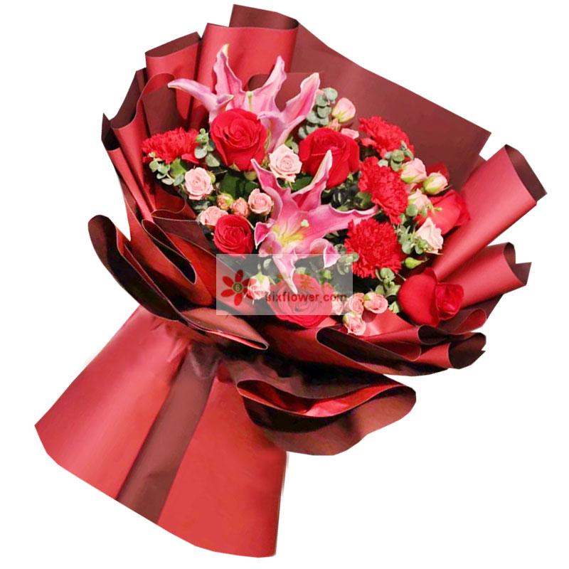 9朵红玫瑰,6朵红色康乃馨,喜洋洋