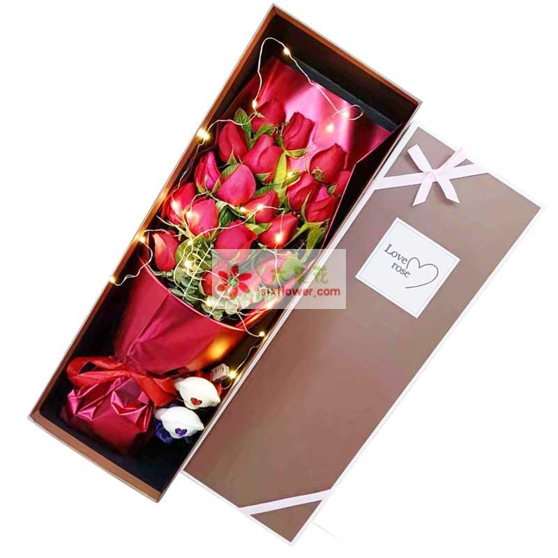 19朵红玫瑰礼盒,我想说永远爱你