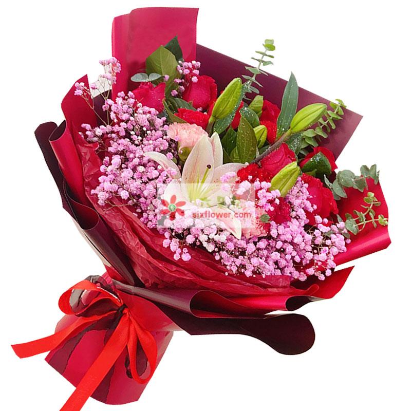 11朵红玫瑰康乃馨百合,享受爱的包围喝温暖