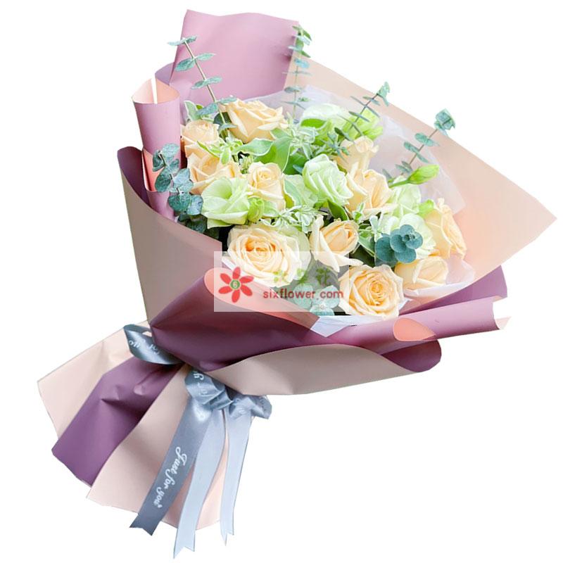 11朵香槟玫瑰桔梗,将爱进行到底