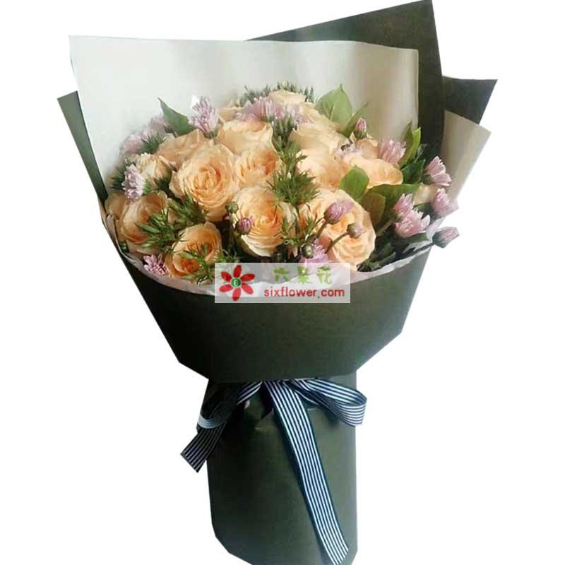 19枝香槟玫瑰,配叶,小雏菊搭配