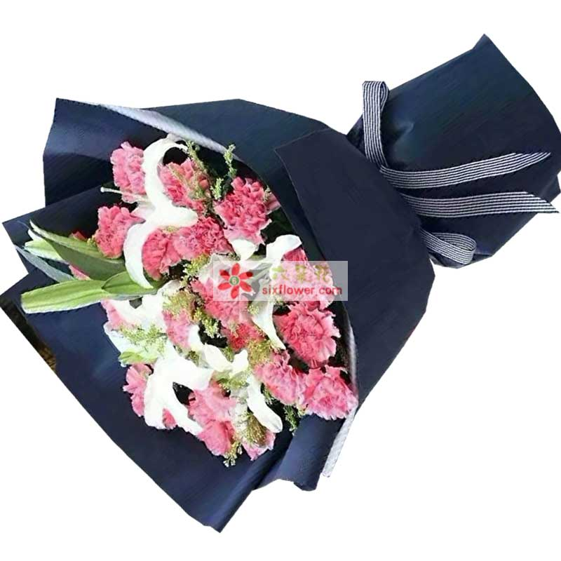 18枝粉色康乃馨,2枝白色多头百合,黄英点缀