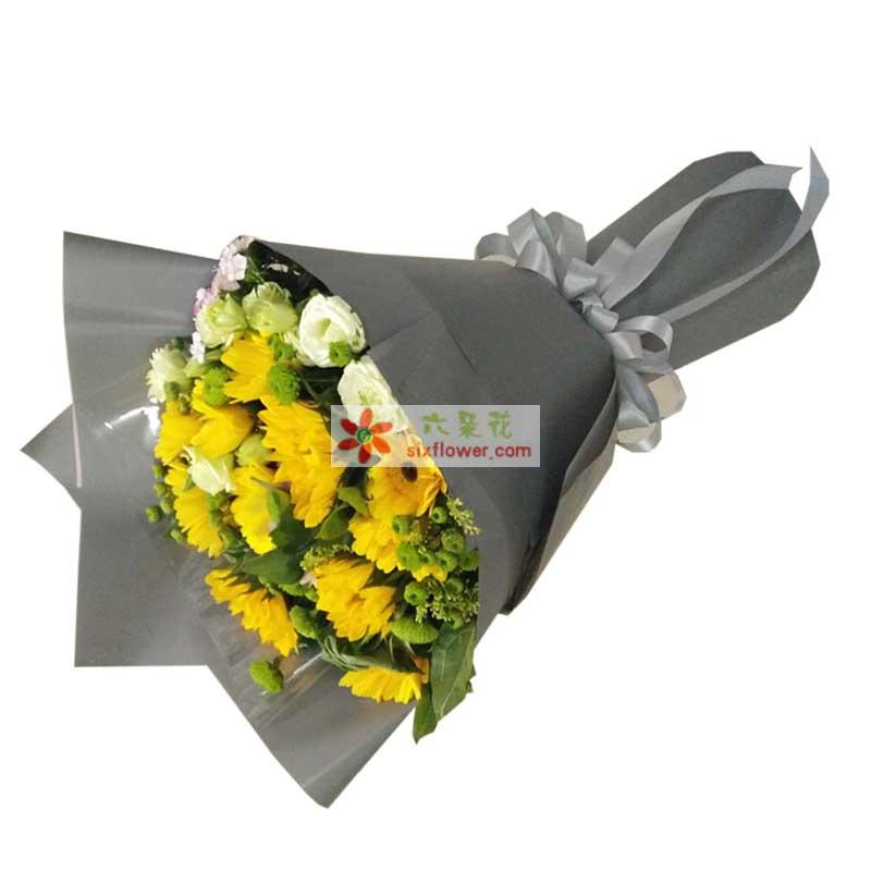 3枝向日葵,8枝黄色扶朗,5枝桔梗,红豆、尤加利点缀